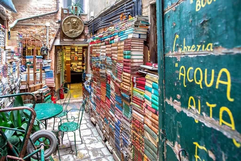 Toko Buku Terindah Yang Ada di Dunia Bagian 2